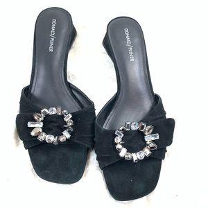 Donald Pliner Bate suede sandal size 9.5